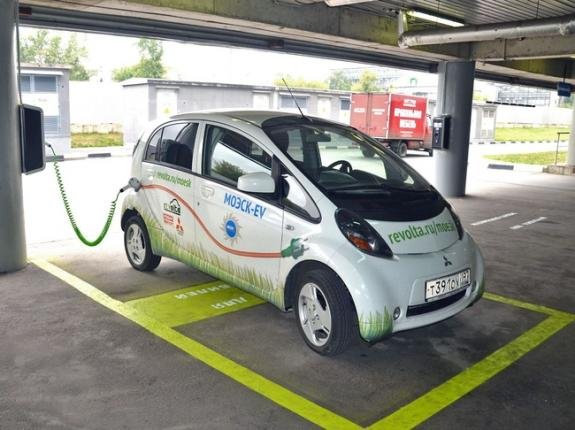 В Киеве открыта очередная станция для подзарядки электромобилей