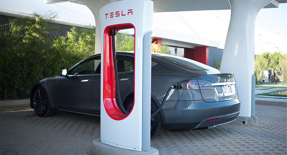 Tesla Motors анонсувала плани будівництва нових Суперчарджерів у Європі на 2014-2015 рік