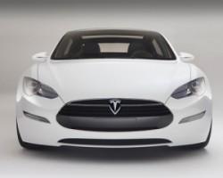 Tesla Model S vc MB S550 на русском