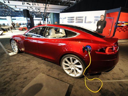 Использование «чужих» зарядных станций с вашей Tesla Model S