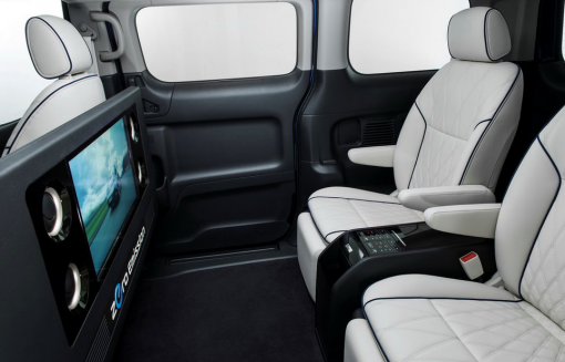 Представлена VIP-версия электромобиля Nissan e-NV200