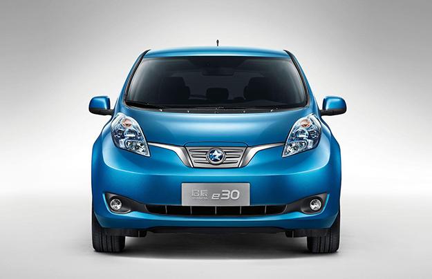 Nissan представил новый электрокар на базе Leaf