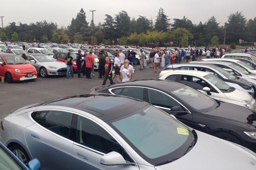 Сразу 166 электромобилей собрались в одном месте