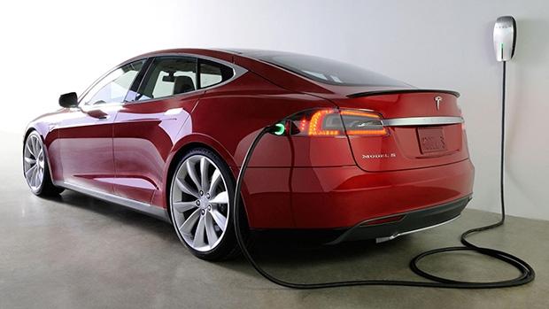 Tesla будет продавать подержанные электромобили