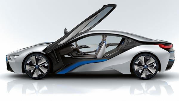 BMW i смогут заряжаться от фонарных столбов