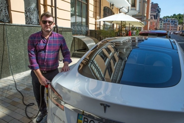 electric_car_03