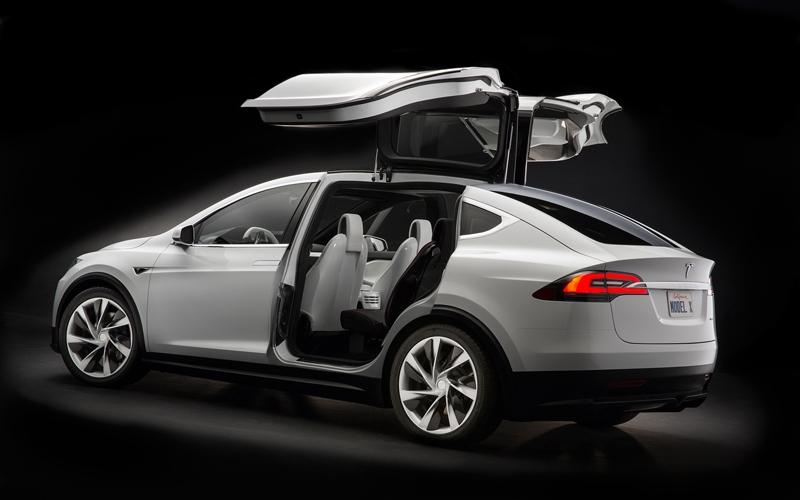 Tesla: коммерческая версия Model X будет лучше прототипа