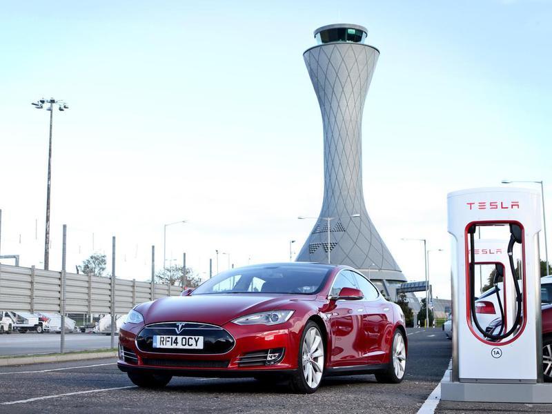 Tesla названа самым инновационным автопроизводителем