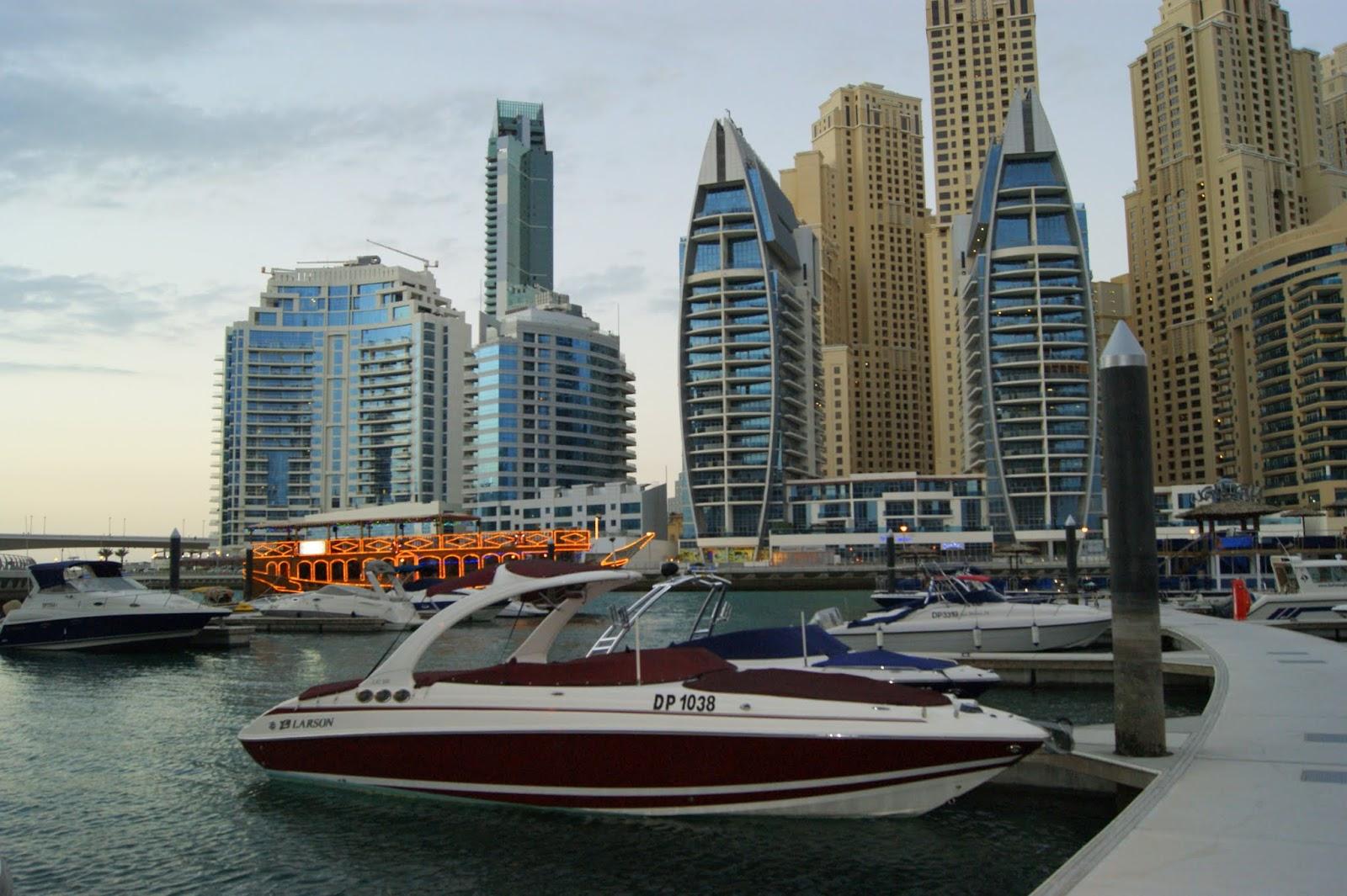 Почти 100 станций для зарядки электромобилей появится в Дубае в 2016 году