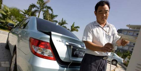 Инвестиции Китая в электромобили — 100 млн юаней