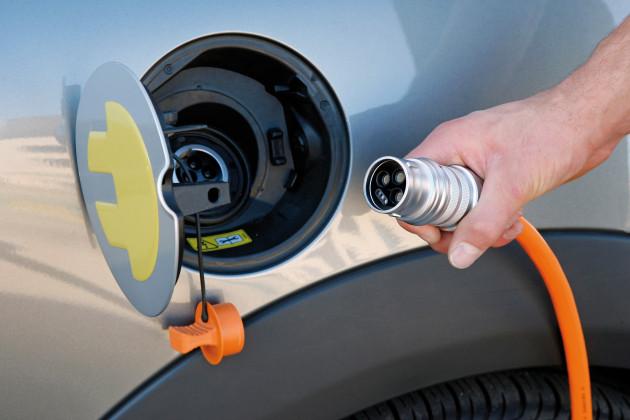 Германия планирует создать крупную сеть зарядных станций для электромобилей
