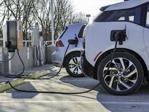 BMW и Volkswagen построят совместные электрозаправки