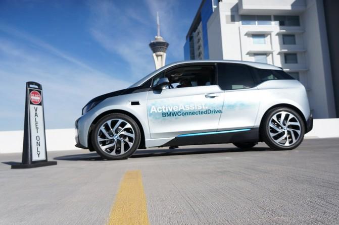Электромобиль BMW i3 способен избегать столкновений и самостоятельно парковаться [CES 2015]