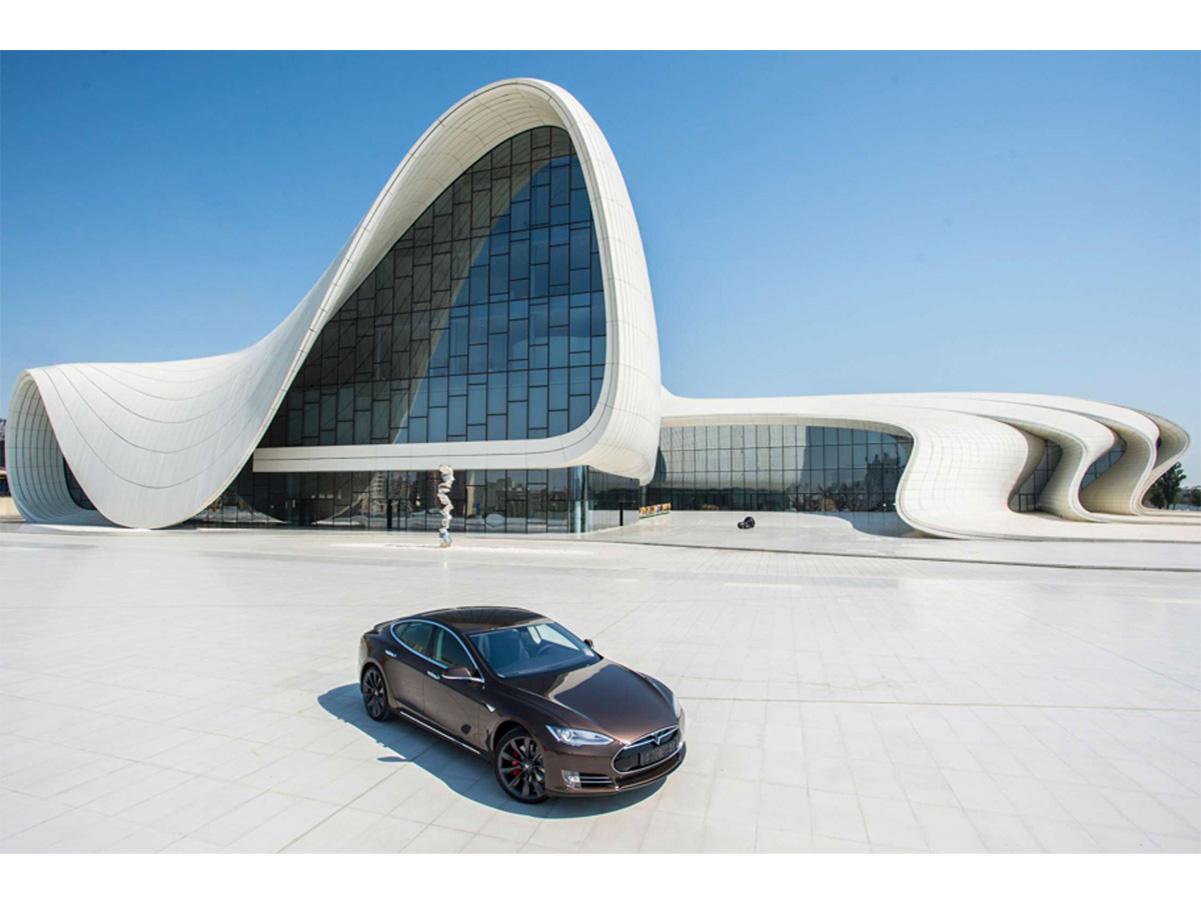 В Баку появятся электроавтобусы и электротакси