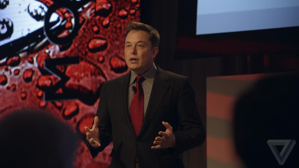 Элон Маск изменил Tesla Model S по совету своего маленького сына