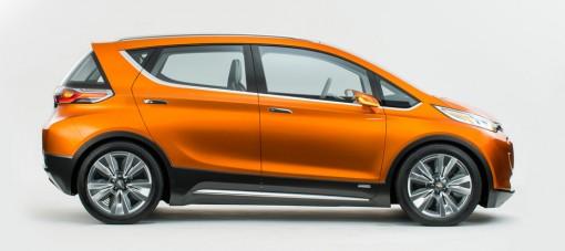 Электромобиль Chevrolet Bolt начнут производить серийно в 2016-м году
