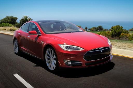 Новой моделью Tesla управлять сможет даже ребенок