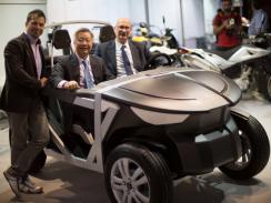 Гонконгская компания представила электромобиль, который нужно собрать самому