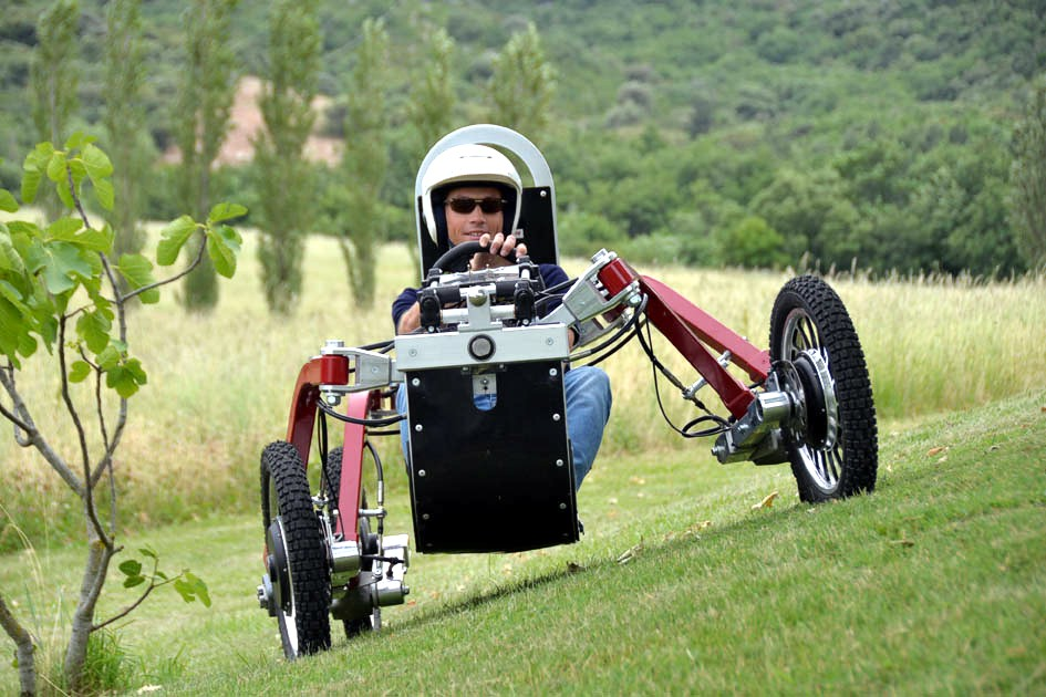 Во Франции создан электромобиль-паук