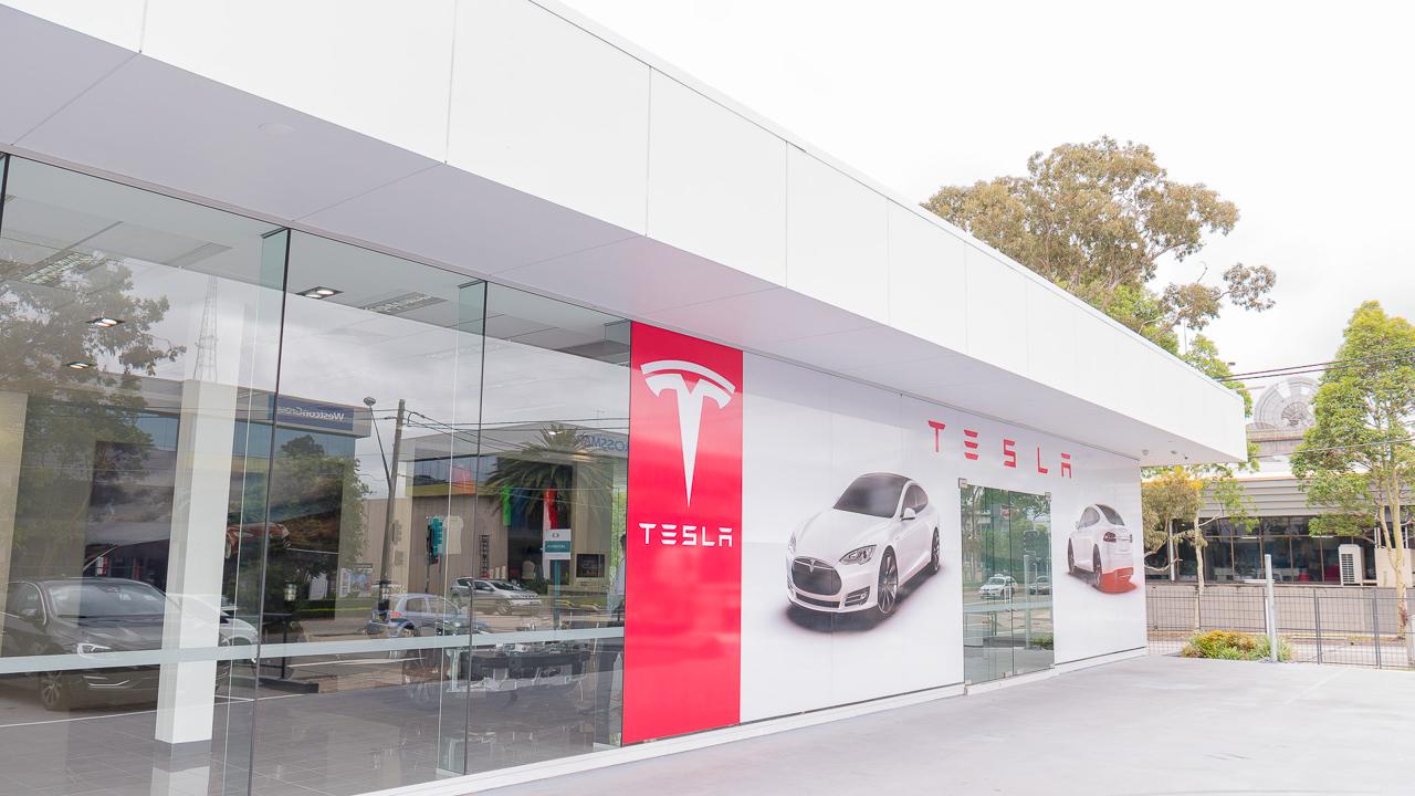 Tesla Motors будет продавать поддержанные электромобили