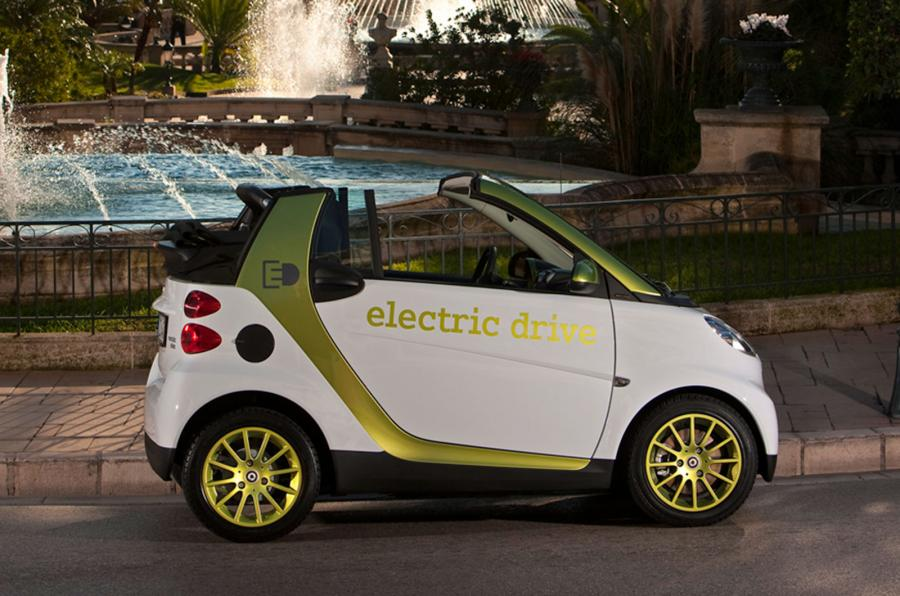 В электрический «Смарт» поставят мотор Renault