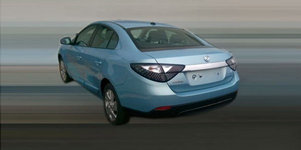 Электрокар Renault сфотографированный для Китая