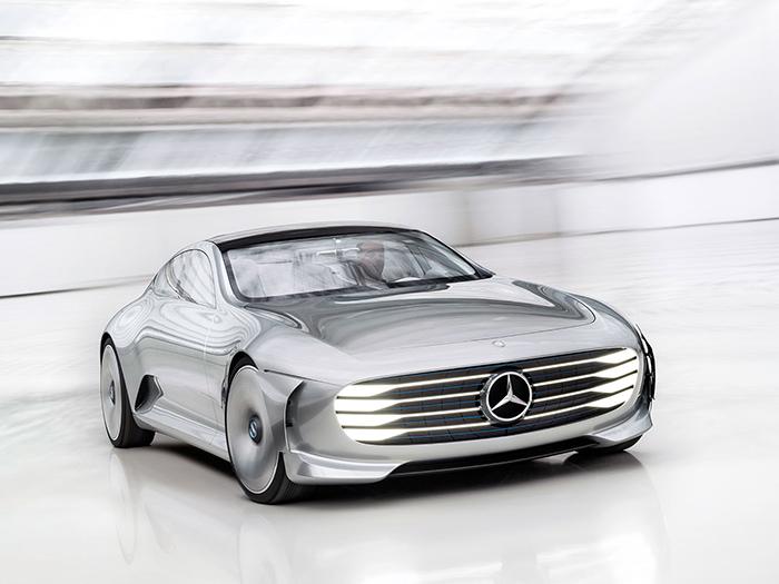 Mercedes Benz — 2018 год. Выпуск электромобиля на новой платформе.