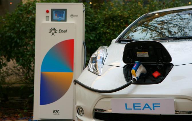 Электростанция на колесах: Nissan предлагает использовать свой электромобиль Leaf в качестве Tesla Powerwall