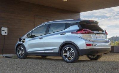 Серийный Chevrolet Bolt показали в Лас-Вегасе