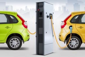В Харькове на парковках установят зарядные для электромомбилей