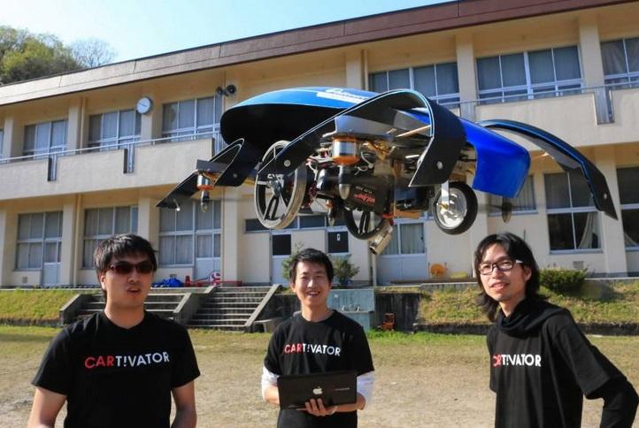 В Японии разрабатываю уникальный летающий электромобиль