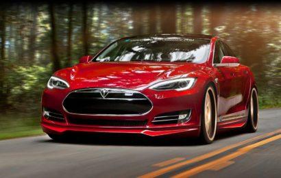 Tesla запустила автопилот для второго поколения своих моделей