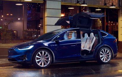 В Киеве угнали Model X прямо из салона