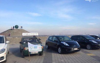 Протест владельцев электромобилей в Днепре