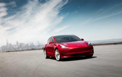 Tesla 3 — самый крутой автомобиль 2018 года