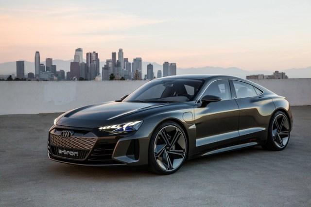 Audi показали e-tron GT. Новые фотографии