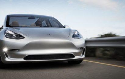 """Новый автопилот Tesla  """"взорвет мозг"""""""